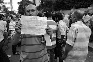 Photo: Another striking worker shows his displeasure with the contract offer.