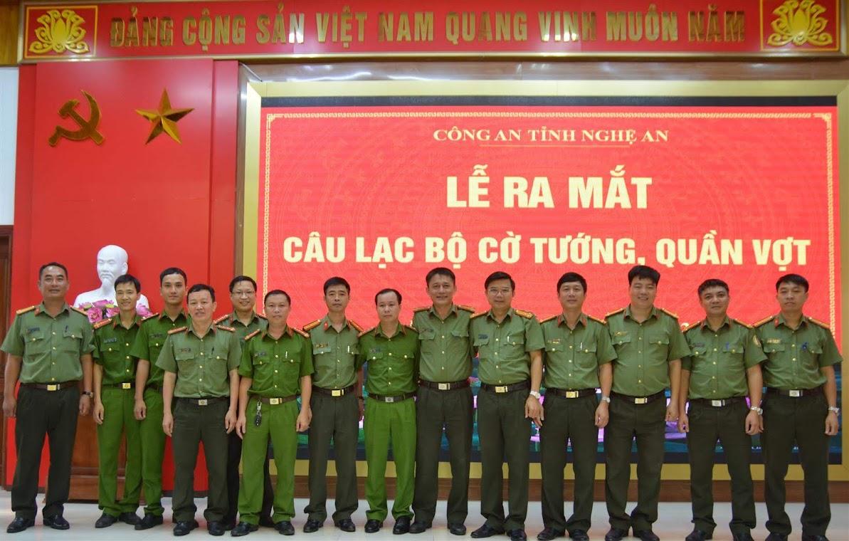 Các hội viên Câu lạc bộ cờ tướng