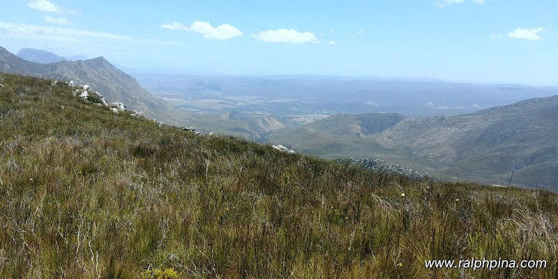 View over Barrydale and the Little Karoo