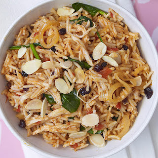 Chicken Tomato Pilaf with Almonds