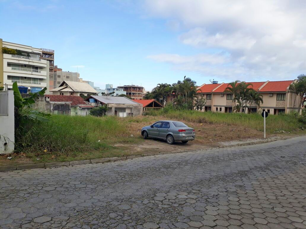Terreno/Lote à venda, 252 m² por R$ 590.000,00
