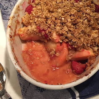 Apple-Raspberry Oat Crumble.