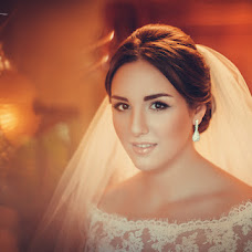 Wedding photographer Anna Vikhastaya (AnnaVihastaya). Photo of 02.12.2014