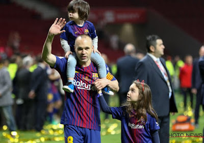 Andrés Iniesta speelt met idee dat de Spaanse voetbalwereld veel plezier zal doen