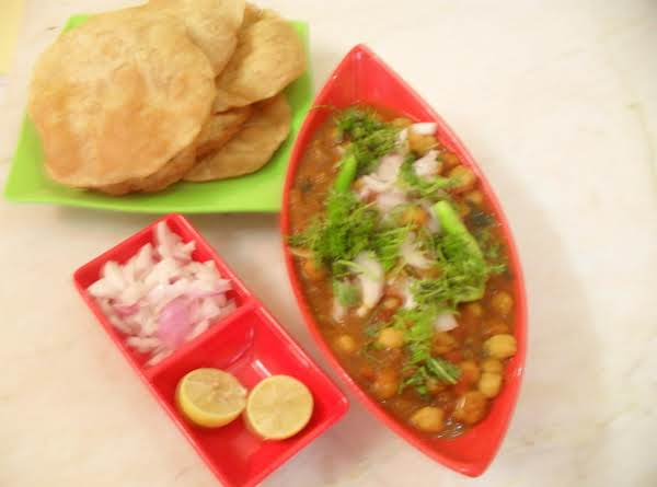 Chole And Ajwain Poori