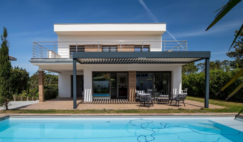 Villa avec piscine en bord de mer Anglet