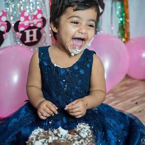 Atikya  by Himanshu Jethva - Babies & Children Children Candids ( girl child, birthday, cake, cute baby, girl, 1st, smash, cute, smashcake )