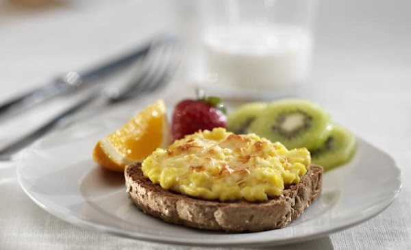 Cheesy Broiled Eggs On Toast Recipe