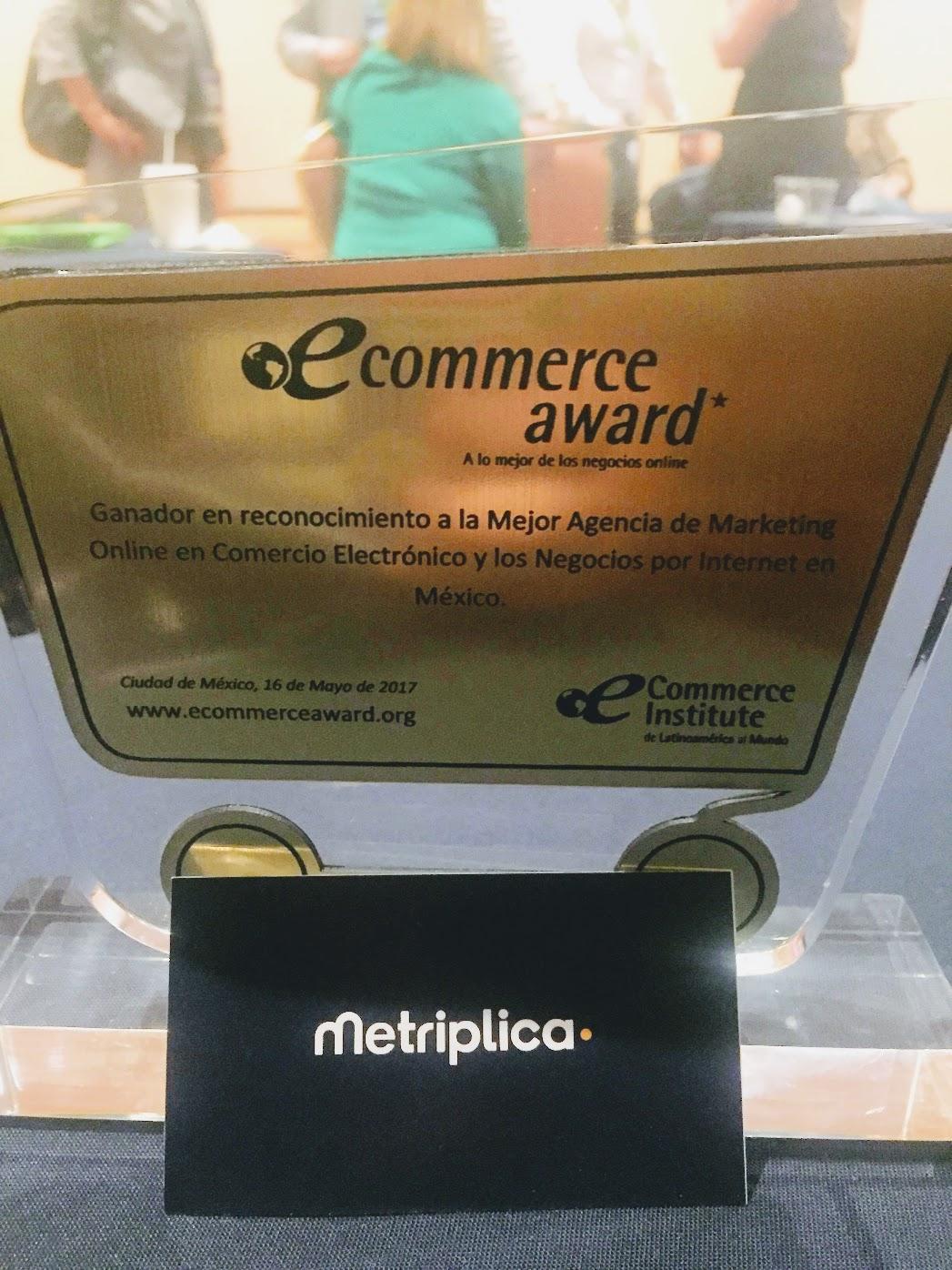 Metriplica, consultora de analítica web, gana ecommerce Award en Mexico