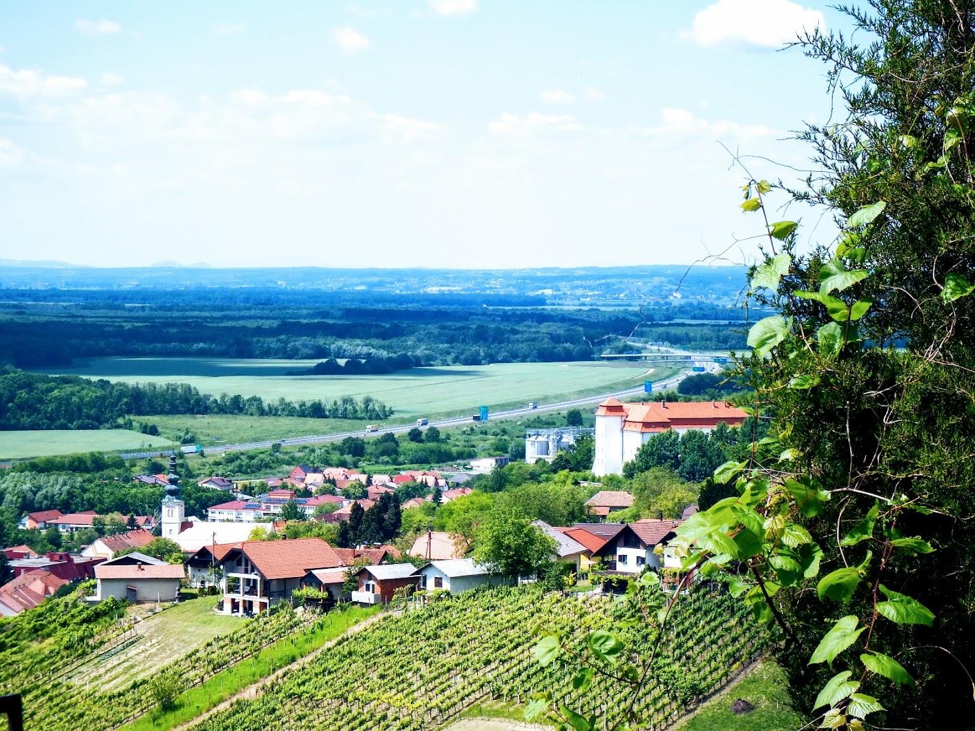 Lendavske Gorice (Lendvahegy) - cerkev sv. Trojice (Szentháromság-templom)