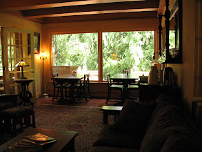 Photo: Day 6: Living room and breakfast area in the Kangaroo House B&B.