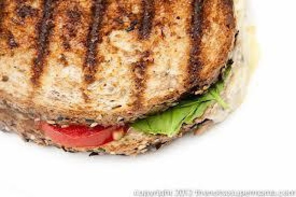 Tomato And Gouda Grilled Cheese Sandwich Recipe