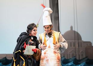 Photo: EINE NACHT IN VENEDIG / Wiener Volksoper. Inszenierung: Hinrich Horstkotte, Premiere 14.12.2013. Johanna Arrouas, Michael Havlicek. Foto: Barbara Zeininger
