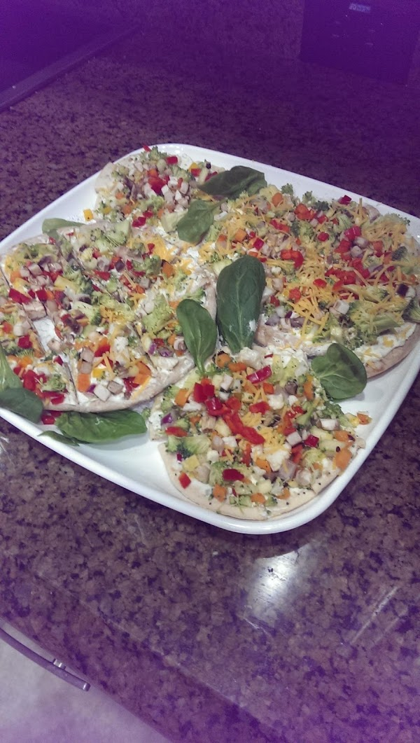 Fresh Vegetable Appetizer Pizzas Recipe