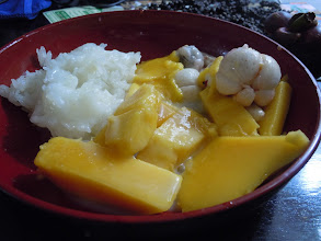Photo: Mango on sweet rice with coconut milk and some mangosteen - this is the greatest! We were buying mangoes and sticky rice separately at Big C.  All I could eat!