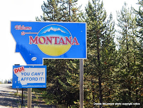 Photo: The complete Montana stateline sign