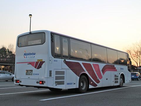 西鉄高速バス「フェニックス号」 9909 リア えびのPAにて