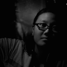 Tergelapkan by Fidan Luthfullahi - Black & White Portraits & People ( bella, canon, 700d, low key, indonesia )