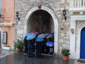 Photo: Umbrella gridlock, Porta Media Taormina