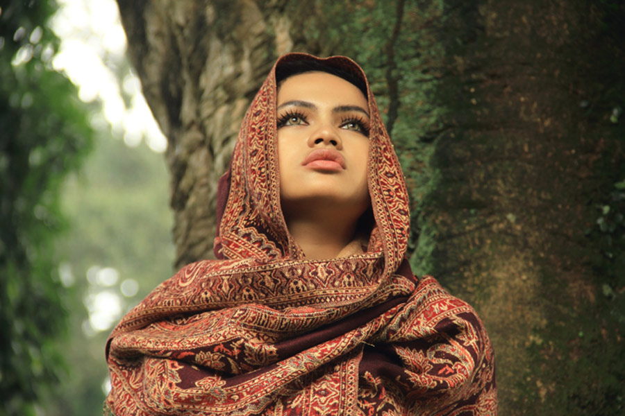 - by Ismail Ahmad - People Portraits of Women