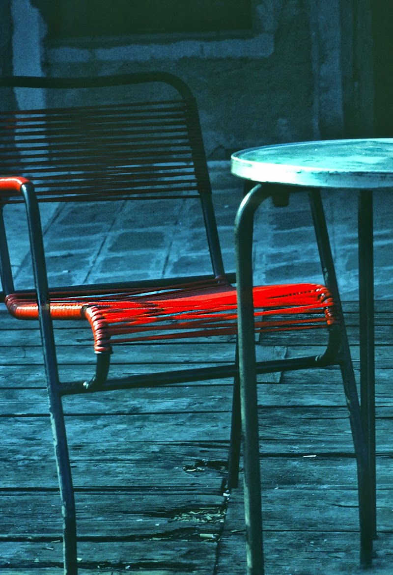 Red Chair di Mauro Mamone Photographer