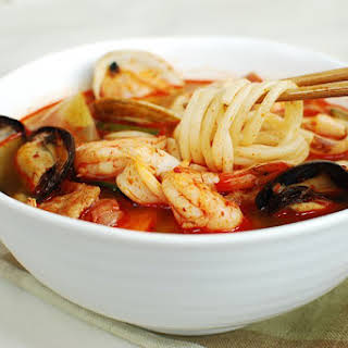 Jjambbong (Korean-Chinese Spicy Noodle Soup).