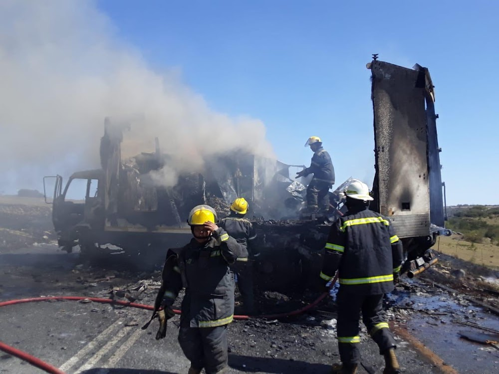 BREAKING | Truck torched as protesters block N6 near East London - DispatchLIVE
