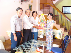Photo: Cô Thanh, Phu nhân Thầy Hạnh. Cô Thanh cũng là GV NLSBD (môn Anh Văn)