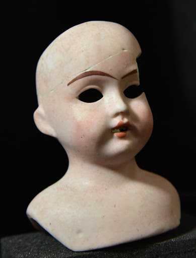 Doll's face