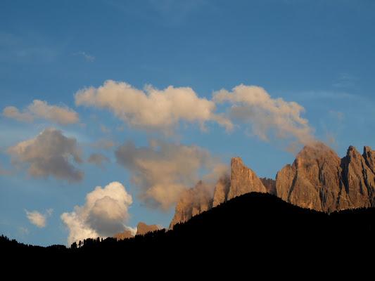 La magia del tramonto sulle Dolomiti di joysphoto