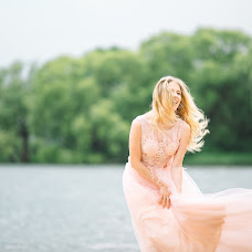 Wedding photographer Marina Kovsh (Shvok). Photo of 16.12.2018