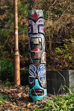 Photo: As we visited the same public toilet the second time on our way back to the Hanok housing area, I found this colorful totem.