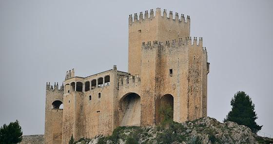 La restauración del Castillo de los Fajardo: una obligación inexcusable