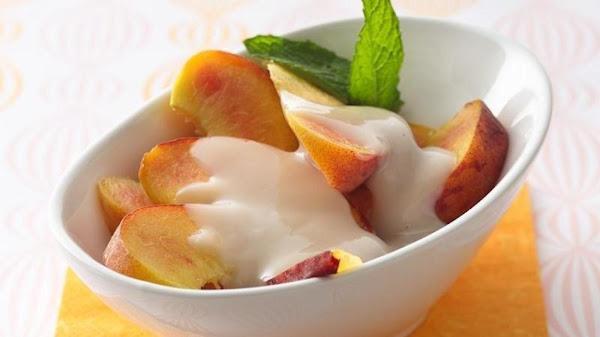 Fresh Peaches With Amaretto Sauce Recipe