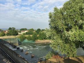 Photo: Poses, passerelle sur l'écluse et le barrage