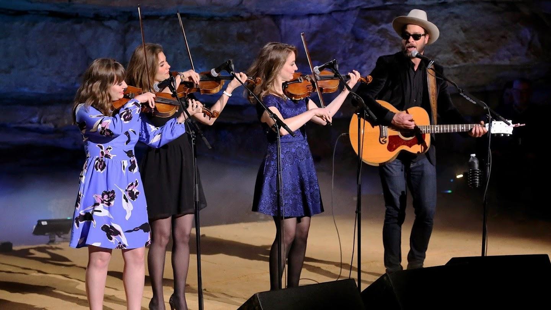 Watch Bluegrass Underground live