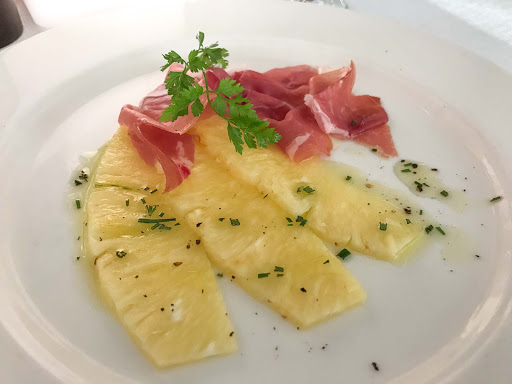 pineapple-and-carpacchio-appetizer-at-the-restaurant.jpg - A pineapple and carpaccio appetizer at The Restaurant on Viking Sun.