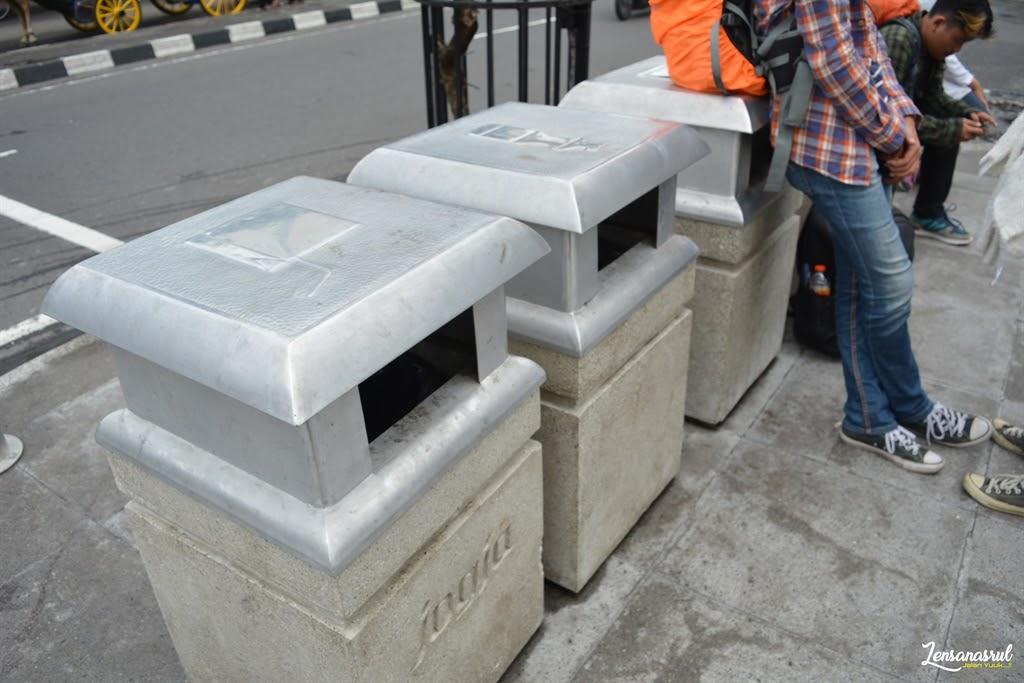 Tempat sampah pedestrian malioboro