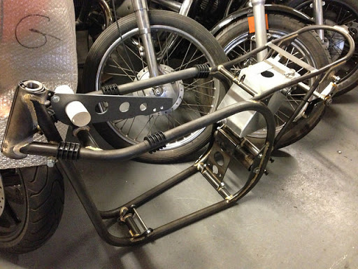 Frame for Sportster and Featherbed presented by Machines et Moteurs
