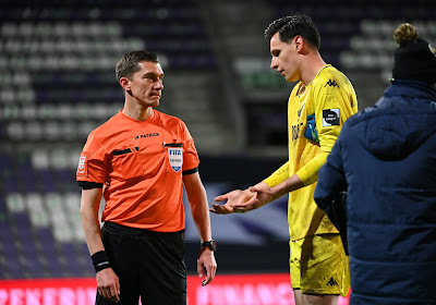 🎥 Le penalty qui a mis Charleroi KO et qui fait débat