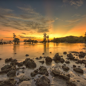 Sunrise in Lombok by Kristianus Setyawan - Landscapes Waterscapes ( skyline, nature, waterscape, ray of light, landscape photography, nature photography, sunrise sky, beach, seaside, seascape, sunrise, landscape )