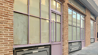 La fachada de la nueva cafetería en proceso.