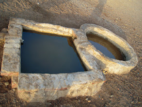 Photo: Wasserheilungsritual in der Wüste Ägyptens