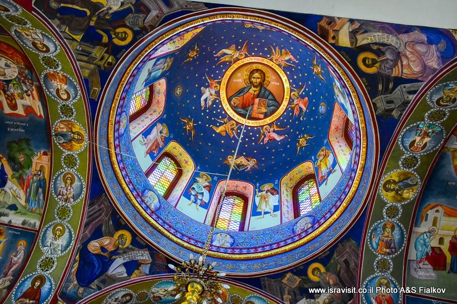 Роспись купола православной церкви в Кане Галилейской. Экскурсии в Израиле.