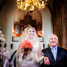 Wedding photographer Weronika Nouyrigat (WeronikaNouyrig). Photo of 03.05.2016