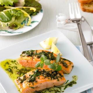 Lachs mit Kräuter-Salsa