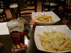 "Photo: Вездесущие ""чипсы"", т.е. картошка-фри. и ПИВО."