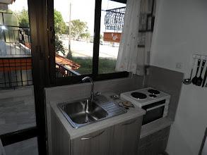 Photo: Άλλη ματιά στην κουζίνα του διαμερίσματος 13-Kichen in apartment No 13