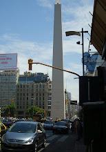 Photo: Bueneos Aires, Obelisk (Höhe 67 m) an der 15 spurigen Avenida 9 de Julio   Foto Göbel
