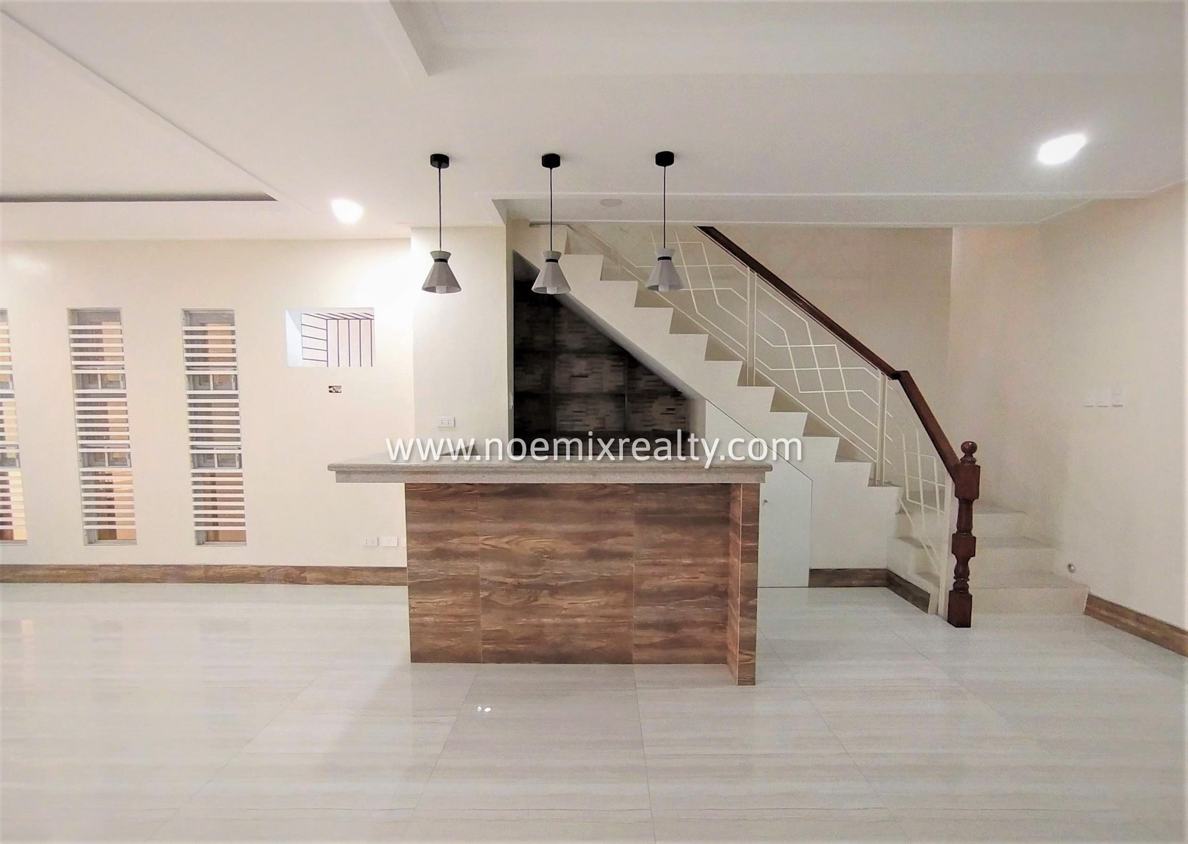 8 Bedroom Townhouse in Tandang Sora, Mindanao Avenue, Quezon City mini bar